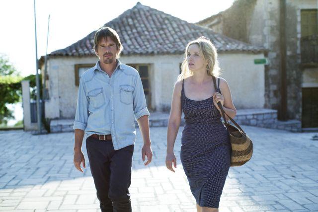 Ο Ιθαν Χοκ, η Ζιλί Ντελπί και η ομορφιά της Μεσσηνίας | tovima.gr