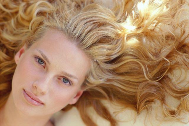 Υγιή μαλλιά και το φθινόπωρο | tovima.gr