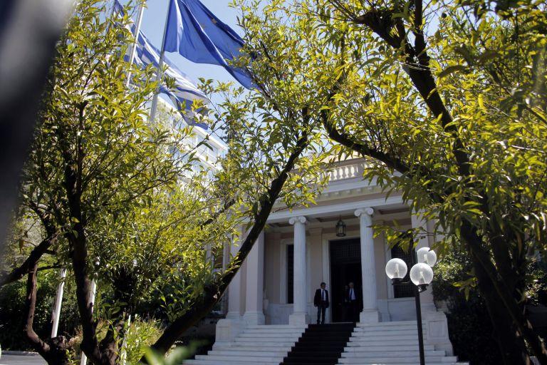 Αποκλίνουσες οι απόψεις των τριών αρχηγών για τα μέτρα των 11,5 δισ. ευρώ | tovima.gr
