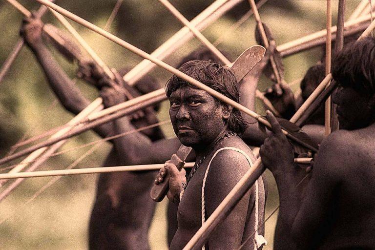 Σφαγή ιθαγενών στον Αμαζόνιο από Βραζιλιάνους χρυσοθήρες   tovima.gr