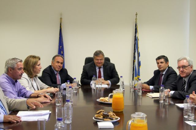 Σχολεία και ΑΕΙ στη συνάντηση Βενιζέλου-Αρβανιτόπουλου | tovima.gr