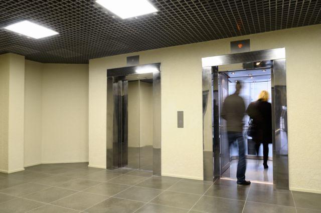 Τσουχτερά πρόστιμα σε ιδιοκτήτες, διαχειριστές για τα ασανσέρ | tovima.gr