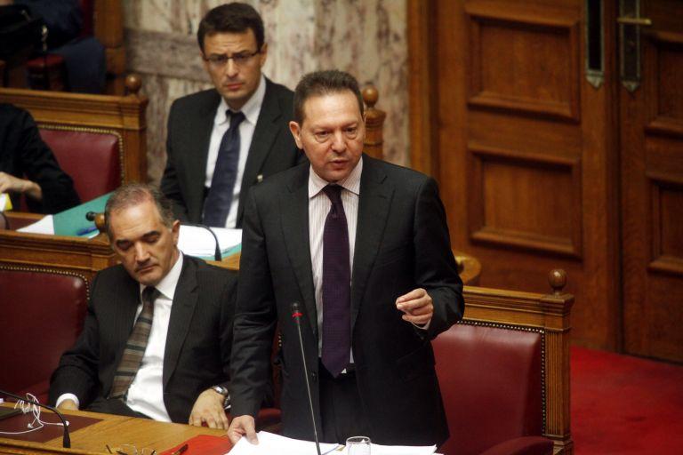 Απαγορεύθηκαν οι διορισμοί συγγενών υπουργών στο Δημόσιο | tovima.gr
