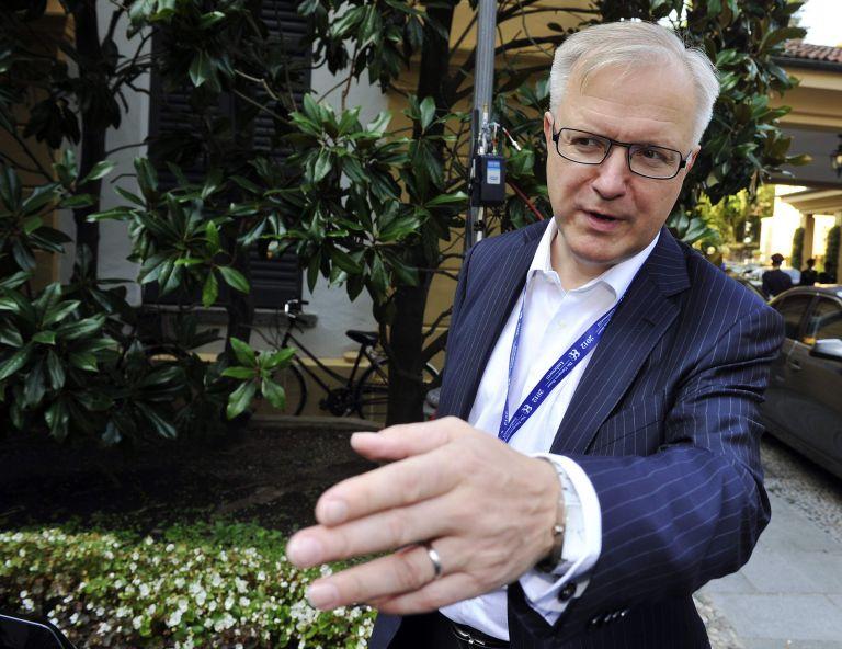 Ολι Ρεν: Δεν εξετάζεται νέα αναδιάρθρωση του ελληνικού χρέους | tovima.gr