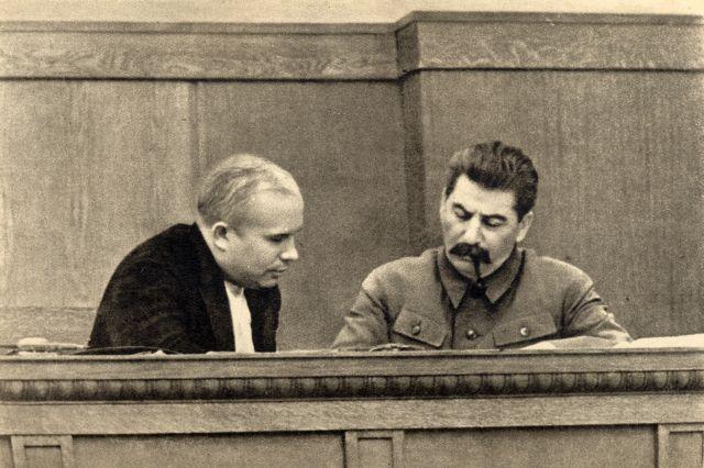 Ο πράκτορας, ο παπάς και ο Χρουστσόφ | tovima.gr