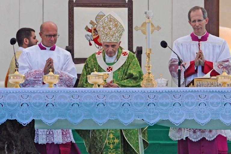 Εκκληση για ειρήνη στη Μέση Ανατολή έκανε ο πάπας Βενέδικτος | tovima.gr