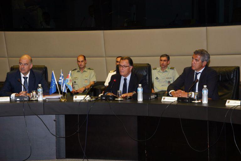 Ολοκληρώθηκε η σύσκεψη στο υπουργείο Αμυνας για το μεταναστευτικό | tovima.gr
