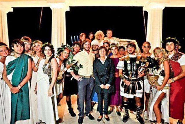 Ιταλία: Σάλος με φωτογραφίες από ρωμαϊκό πάρτι τοπικών αρχόντων | tovima.gr