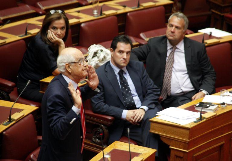 Δυσφορία Κακλαμάνη για τη στάση Στουρνάρα έναντι του Κοινοβουλίου | tovima.gr