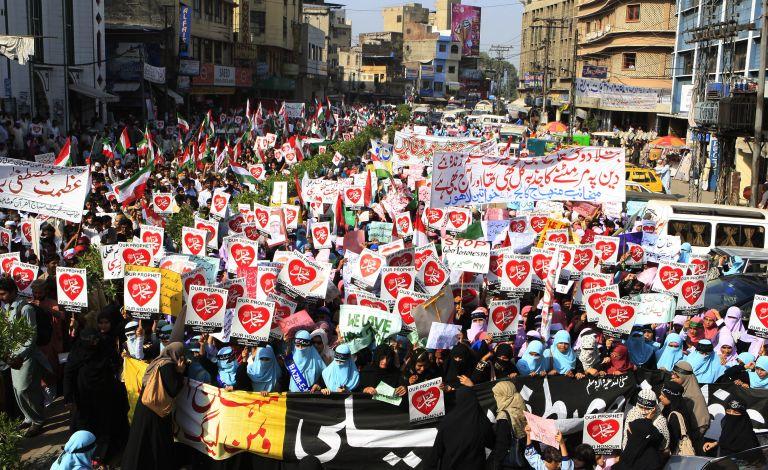 Οι δυτικές πρεσβείες στο στόχαστρο των μουσουλμανικών διαμαρτυριών   tovima.gr