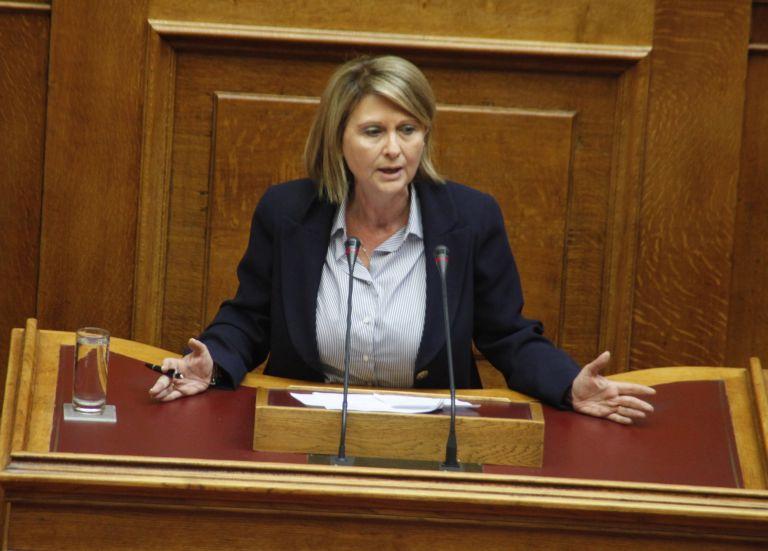 Βουλή: Παρ΄ολίγον …«πλυσταριό» η αίθουσα της Ολομέλειας | tovima.gr