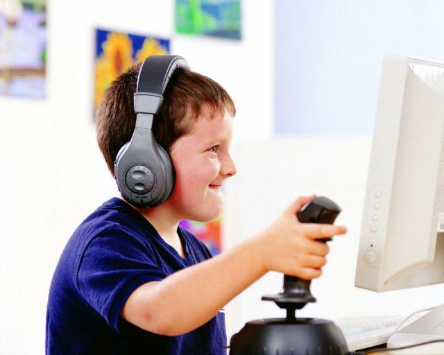 Εκρηξη του παιδικού εθισμού στο Διαδίκτυο | tovima.gr