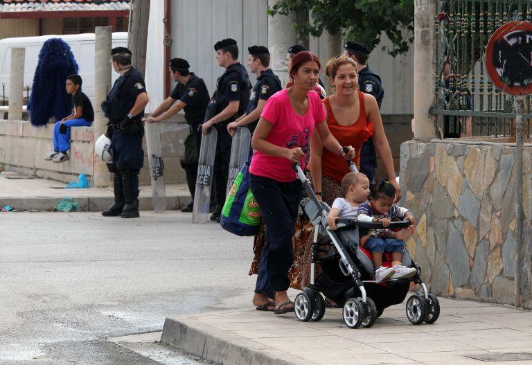 Γονείς ψήφισαν να αποκλειστούν ρομά μαθητές | tovima.gr