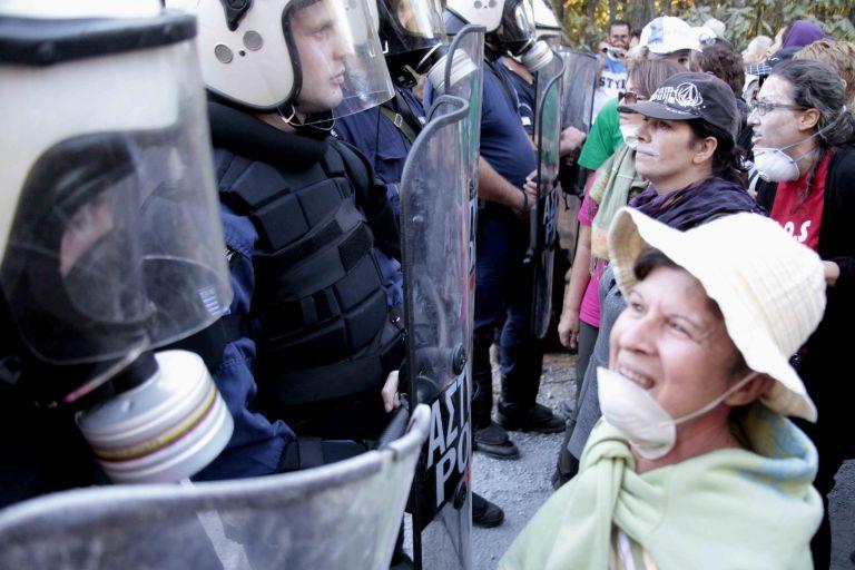Σκουριές Χαλκιδικής: Στο Αυτόφωρο 14 άτομα που συνελήφθησαν την Κυριακή   tovima.gr