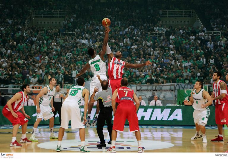 Στον αέρα ο τελικός των «αιωνίων» στο μπάσκετ | tovima.gr