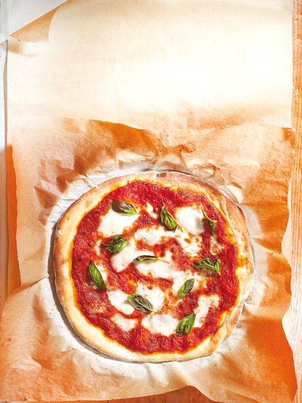 Πίτσα µε µοτσαρέλα | tovima.gr