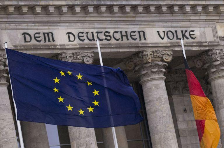 Βερολίνο: Επικρίνει γαλλικές δηλώσεις περί ακριβού ευρώ | tovima.gr