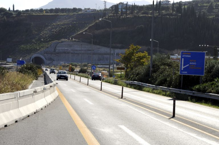 Κλειστή η Πατρών – Κορίνθου στο ύψος του Ψαθόπυργου λόγω τροχαίου | tovima.gr