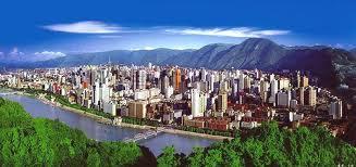 Οι Κινέζοι μετακινούν… βουνά για να χτίσουν μια μητρόπολη | tovima.gr