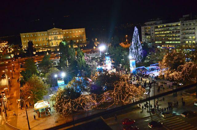 Αναβάλλεται για την Τρίτη η φωταγώγηση της Αθήνας | tovima.gr