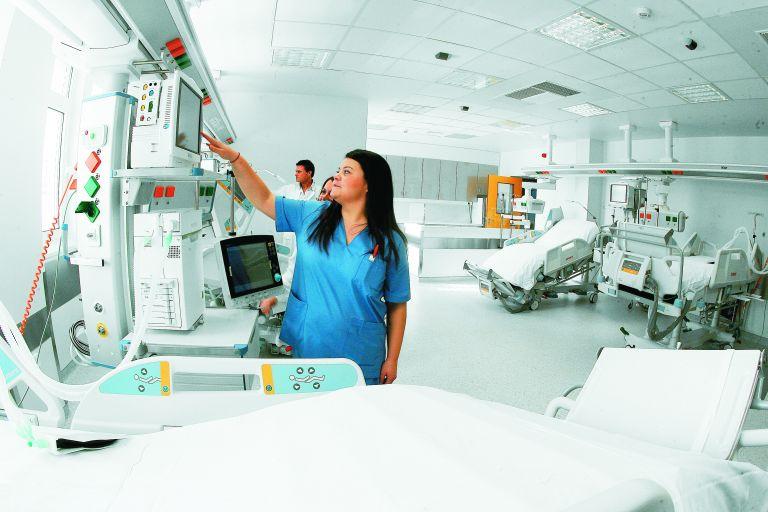 Ξεκίνησε η κατασκευή 22 νέων χειρουργείων στον «Ευαγγελισμό» | tovima.gr