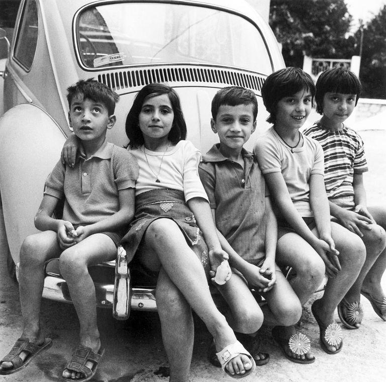 Ενα φωτογραφικό λεύκωμα για την Ελλάδα που (ξε)χάσαμε | tovima.gr
