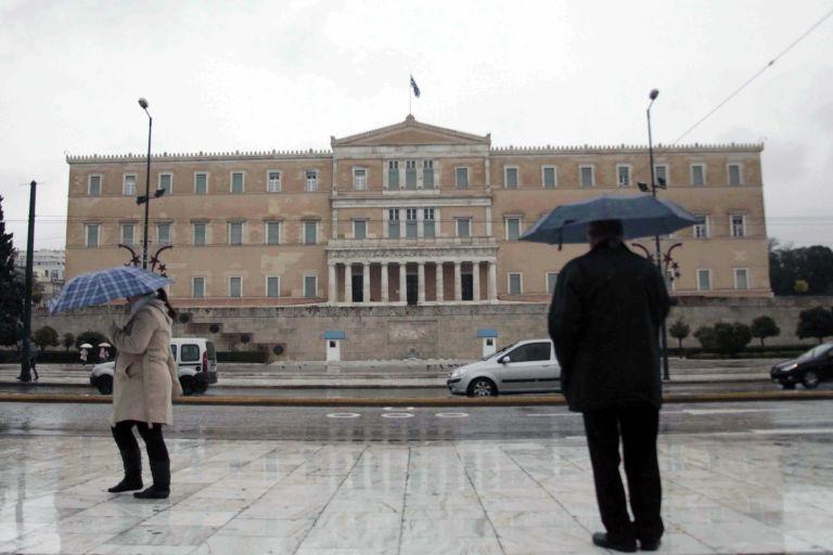 Economist: «Η ελληνική οικονομία τολμά να ελπίζει, φοβάται να αποτύχει»   tovima.gr
