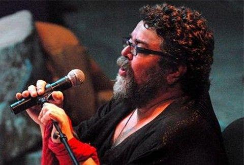 Κερδίστε 3 διπλές προσκλήσεις για την παράσταση «Η αγκαλιά η μεγάλη» | tovima.gr
