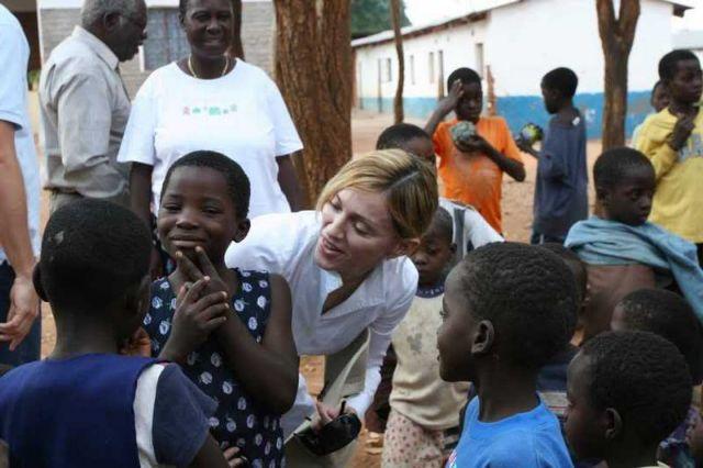 Κυβέρνηση Μαλάουι: «Η Μαντόνα λέει ψέματα ότι ανέπτυξε φιλανθρωπική δράση» | tovima.gr