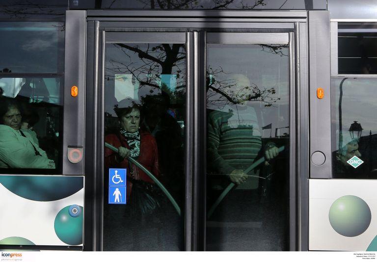Υποχρεωτική επιβίβαση από την μπροστινή πόρτα στα λεωφορεία | tovima.gr
