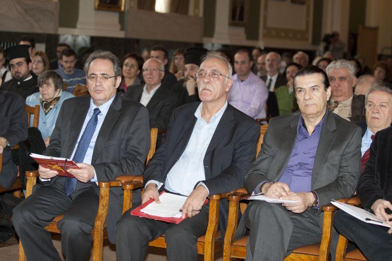 Τάσος Κουράκης: Για τη μισθοδοσία των ιερέων, φόρο στους χριστιανούς | tovima.gr