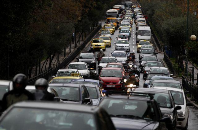 Πρόστιμα για όσους δεν πληρώσουν τα τέλη κυκλοφορίας | tovima.gr