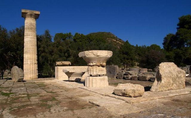 Εντυπωσιακή αναστήλωση στο ναό του Διός στην αρχαία Ολυμπία | tovima.gr