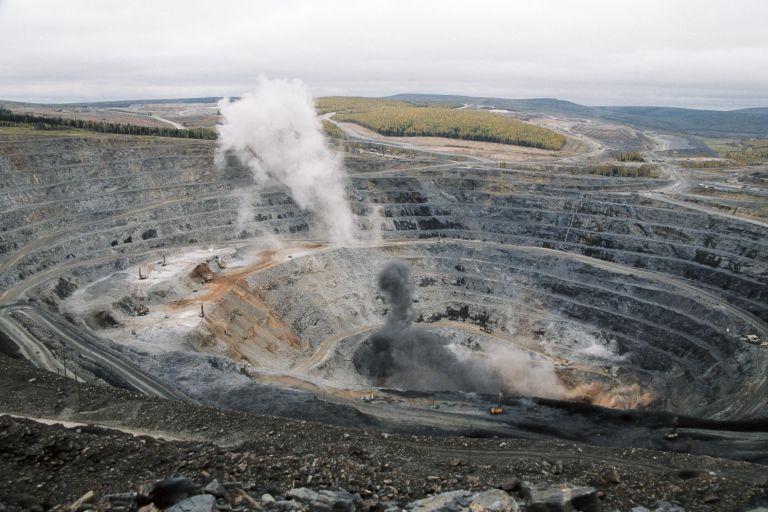 Ρωσία: Εκρηξη σε ανθρακωρυχείο, αρκετοί οι εγκλωβισμένοι | tovima.gr