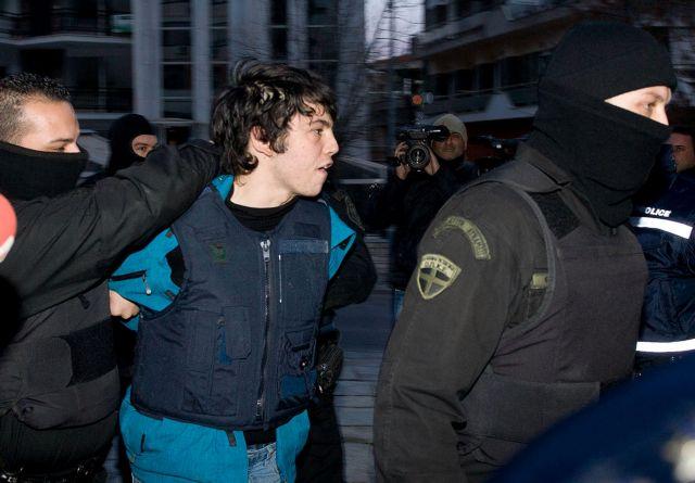 Νίκος Ρωμανός: Και γαμπρός και φοιτητής στις φυλακές | tovima.gr