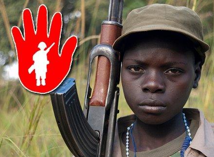 Ημέρα της Ερυθράς Χειρός: Ενα χέρι βοηθείας για τα παιδιά-στρατιώτες   tovima.gr