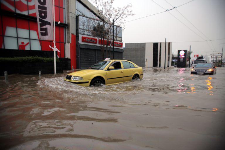 Που έχει διακοπεί η κυκλοφορία λόγω πλημμύρας   tovima.gr