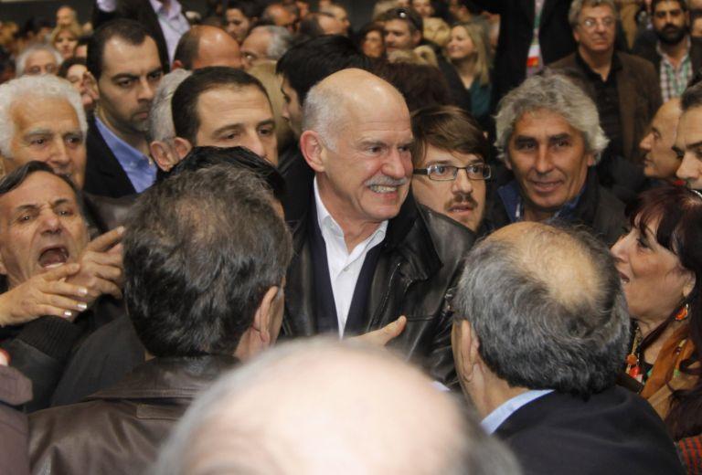 Θερμή υποδοχή Παπανδρέου στο συνέδριο του ΠαΣοΚ | tovima.gr