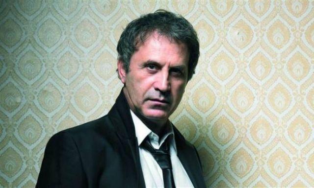 Ο Γιώργος Νταλάρας «αποχαιρετά» τον Τζίμη Πανούση | tovima.gr