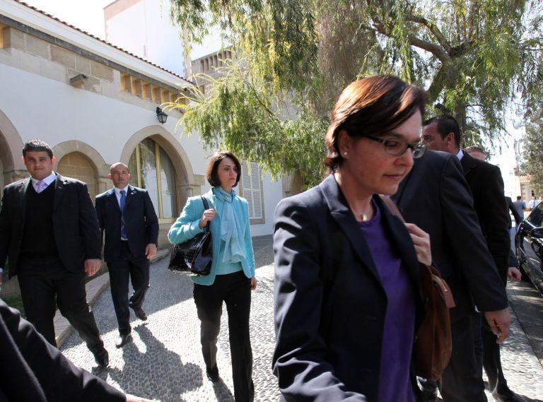 Δραματικές ώρες για την Κύπρο : Βαρύ κλίμα στις συνομιλίες της τρόικας με την κυπριακή κυβέρνηση   tovima.gr