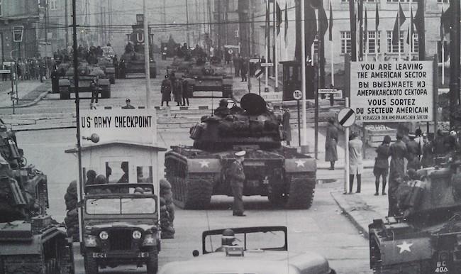 Το μυθιστόρημα «Δρ. Ζιβάγκο» όπλο της CIA στον Ψυχρό Πόλεμο | tovima.gr