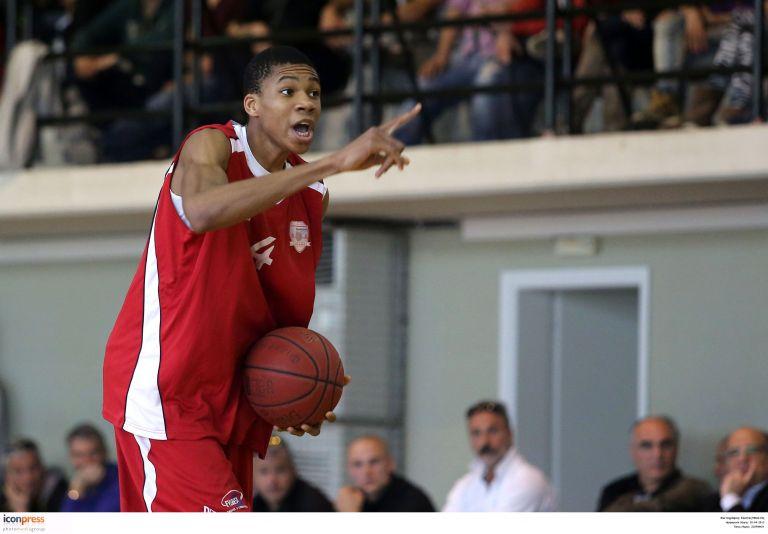 Μπάσκετ: Ο Γιάννης Αντετοκούμπο στους New York Times | tovima.gr