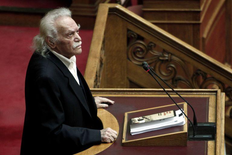 Γλέζος: Η απάντηση ΣΥΡΙΖΑ για το που θα βρούμε λεφτά δεν είναι πειστική | tovima.gr