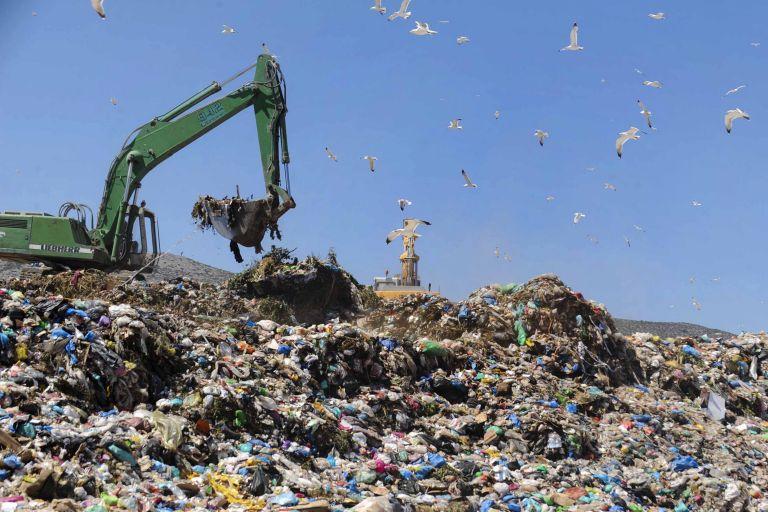 Περιβαλλοντική αποκατάσταση στη χωματερή της Φυλής | tovima.gr