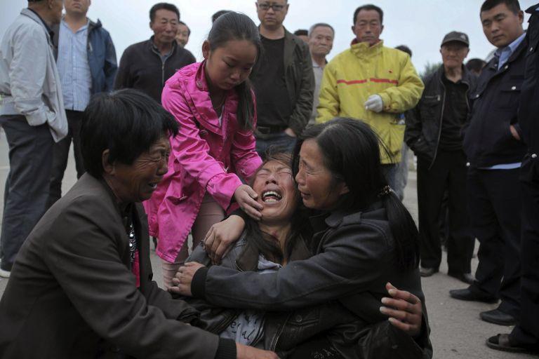 Κίνα: Συνεχίζονται οι έρευνες για τον εντοπισμό αγνοουμένων στο σφαγείο πουλερικών   tovima.gr