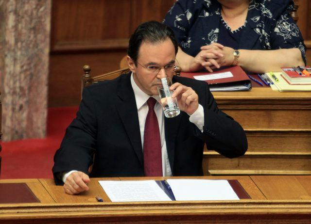 SDOE conducts report on Papakonstantinou relatives | tovima.gr