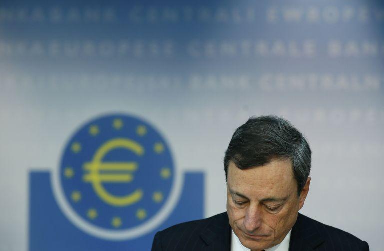 Ντράγκι: «Τα επιτόκιά μας θα παραμείνουν χαμηλά για όσο χρειαστεί» | tovima.gr