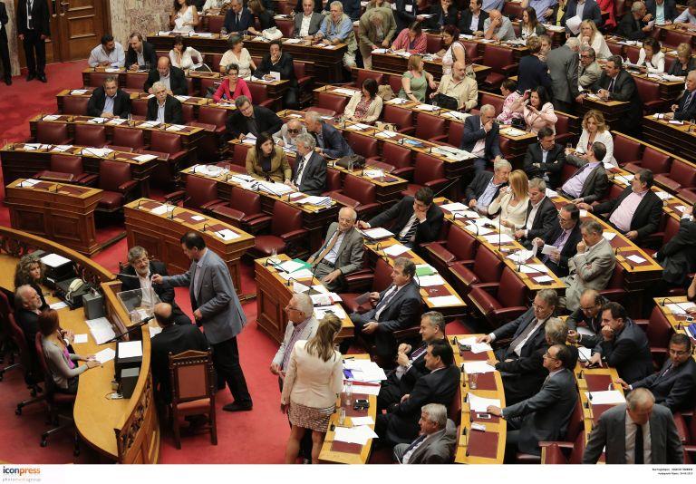 Καζάνι που βράζει η Βουλή μετά το κλείσιμο της ΕΡΤ | tovima.gr