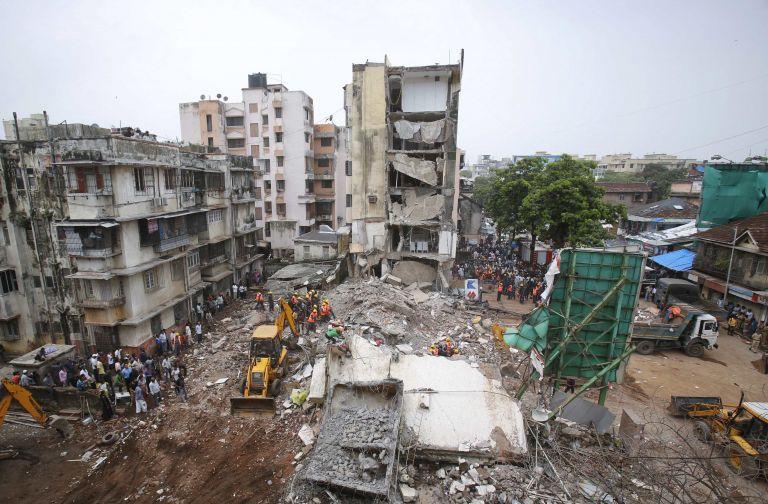 Ινδία: Κι άλλη κατάρρευση κτιρίου στο Μουμπάι με δέκα νεκρούς   tovima.gr