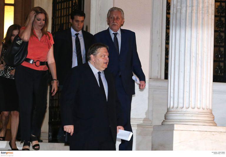 ΝΔ – ΠαΣοΚ – ΔΗΜΑΡ: Το γυαλί ράγισε, το χάσμα μεγάλωσε | tovima.gr